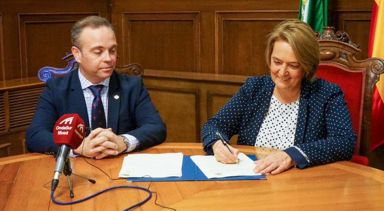 Firma de convenio Agrupación de Cofradías