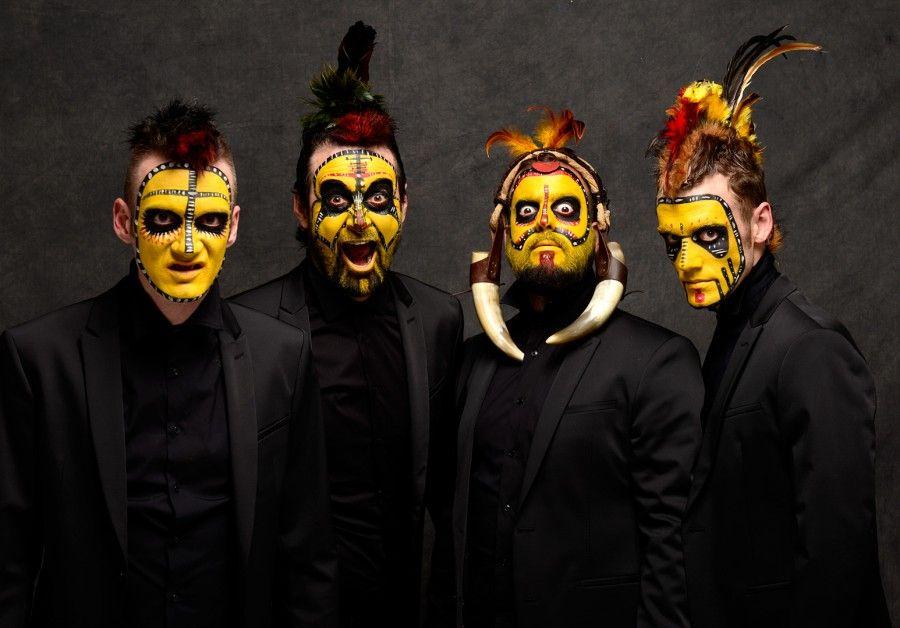 the primitals, la obra de teatro de Yllana