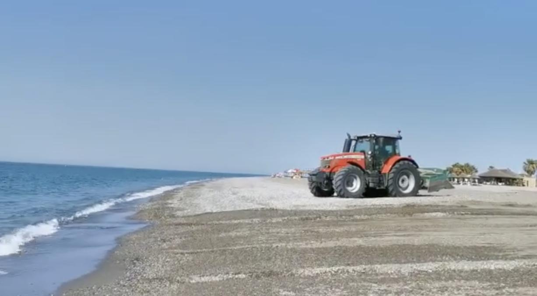 alistamiento y nivelación de las playas de Motril