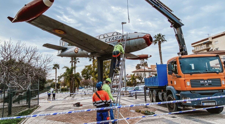 restauración avión saeta de Motril